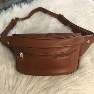 Vintage Coach tan glove leather fanny waist pack